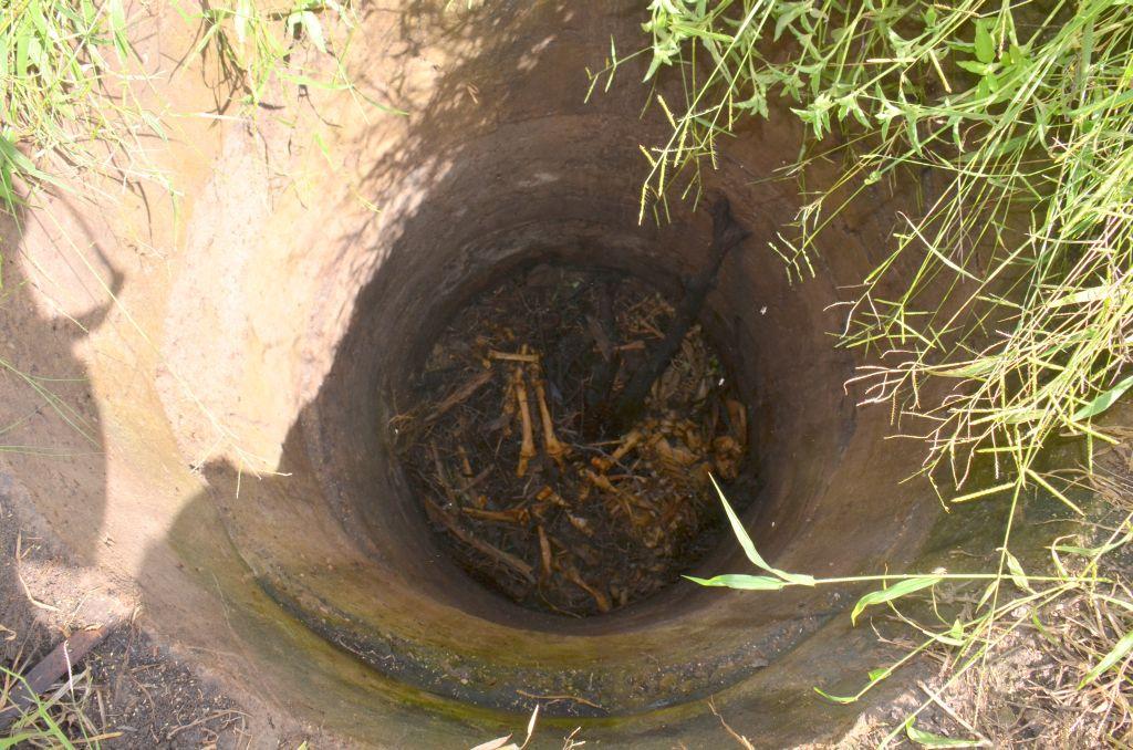 Senkgrube vom alten Baambwe