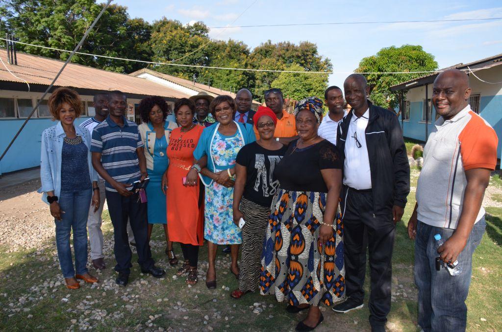 Begegnung mit ehemaligen SchülerInnen in Lusaka